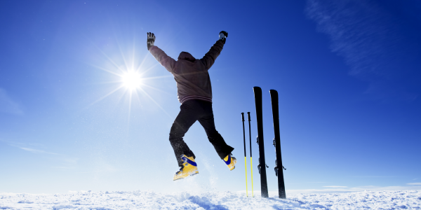"""""""FREE SKI"""" DECEMBER 2021 PROMOTION . SKIPASS INCLUDED"""